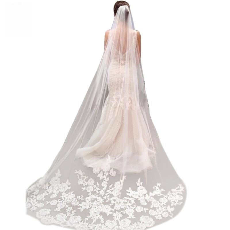 Vintage Style Applique Edge Long Two Layer Bridal Veil With Comb