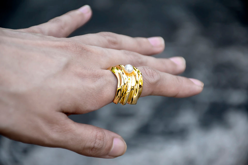 Cambré Ring in 18K Gold
