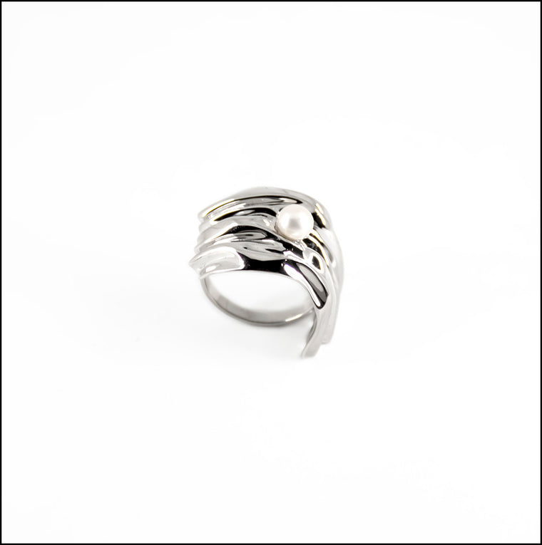 Cambré Ring in Rhodium