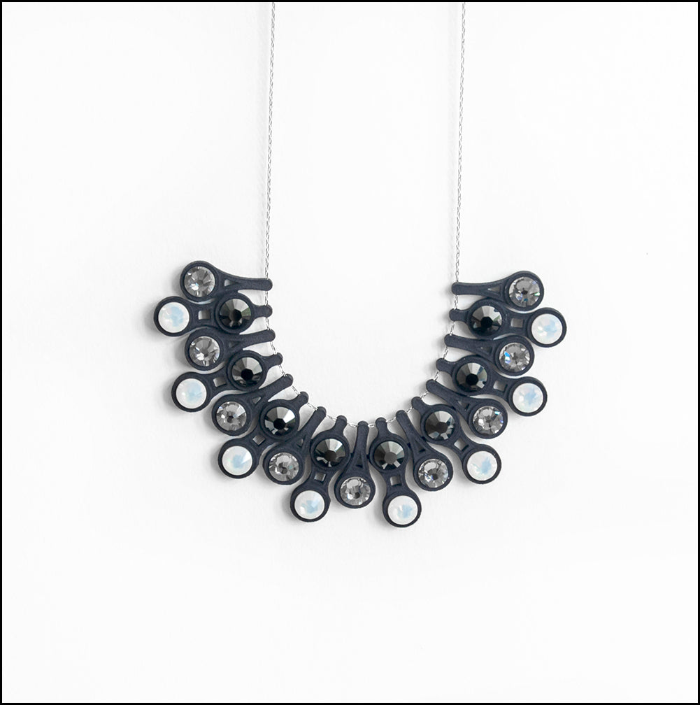 Dewdrop Necklace in Black
