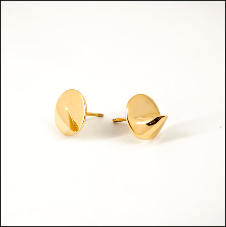 Heliodon Stud Earrings in Gold