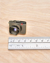 Q Digital Camera Pin