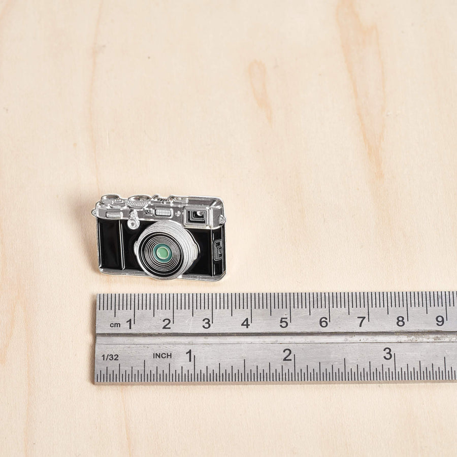 Digital Rangefinder Camera Pin #2 Chrome