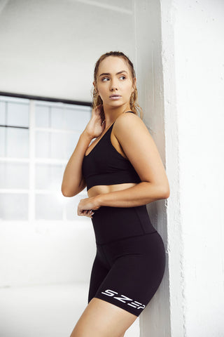 Model in Szep activewear, designed by Slyletica