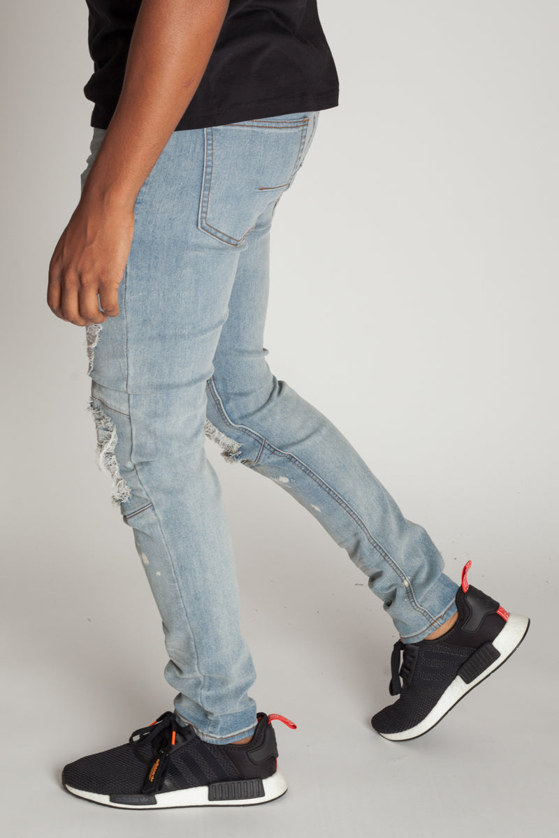 Destroyed at the Knee Skinny Jeans (Light Blue)