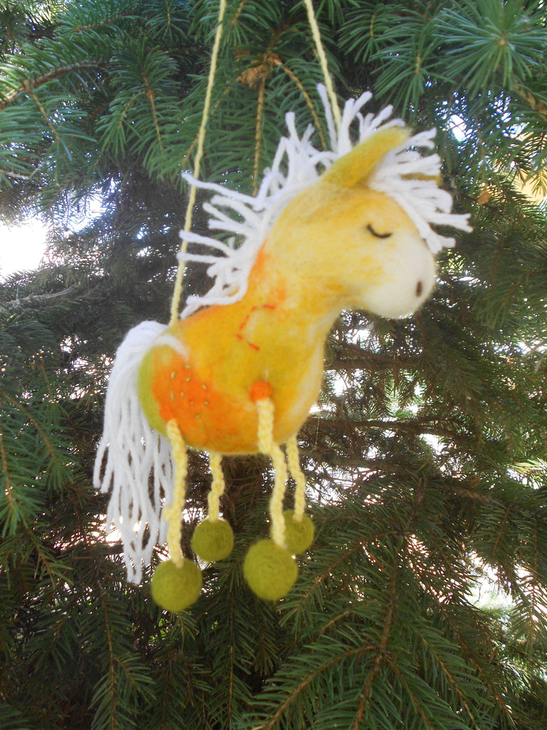 Farm animal toy, Horse decor, Horse art, Felt horse