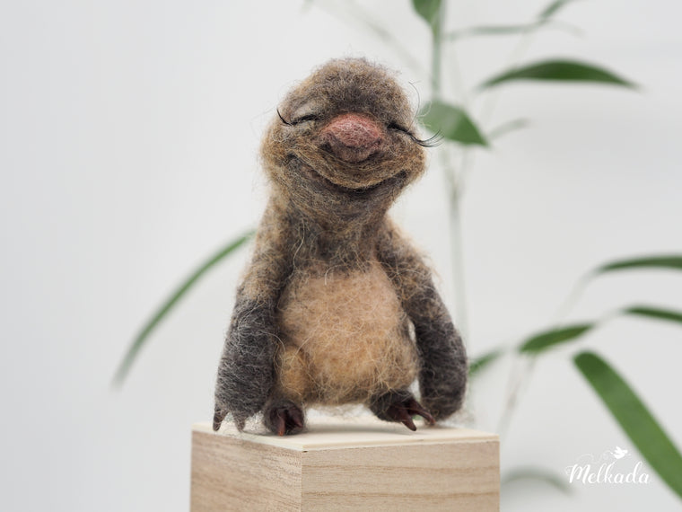 Needle felt sloth, Sloth figurine