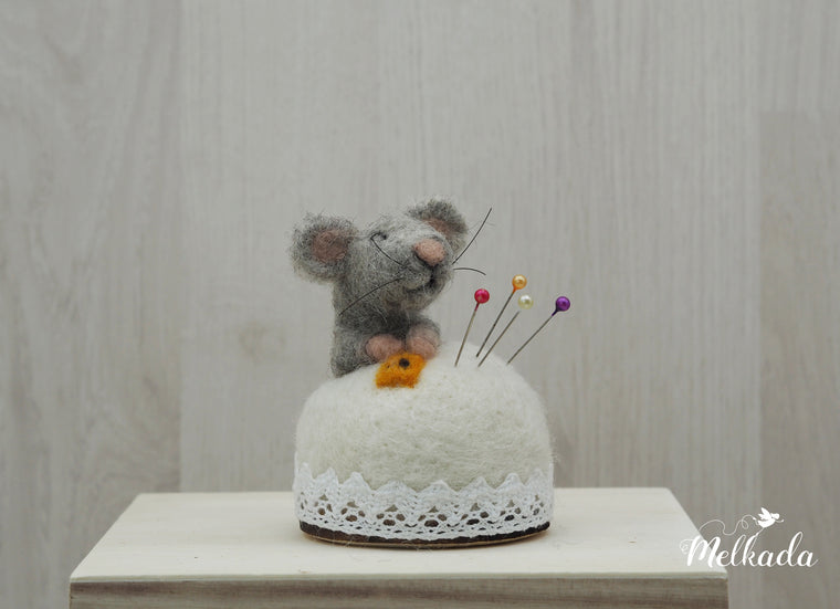 Mouse pincushion, Felted mouse, Mouse figurine