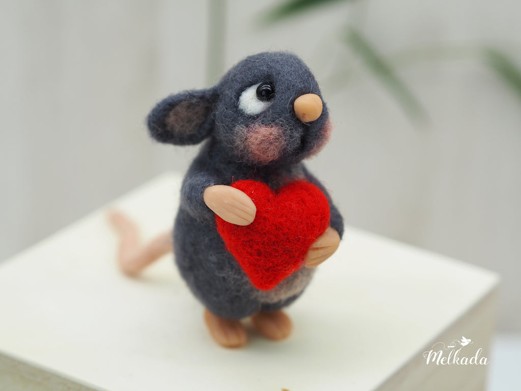 Mouse with a heart - needle felted mouse - handmade decor
