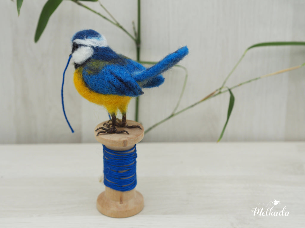 Needle felted Chickadee - realistic bird - spring bird decoration