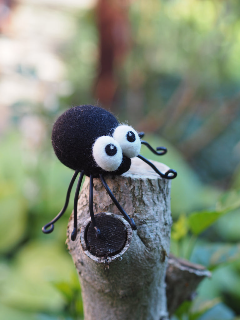 Cute spider decoration figurine for Halloween