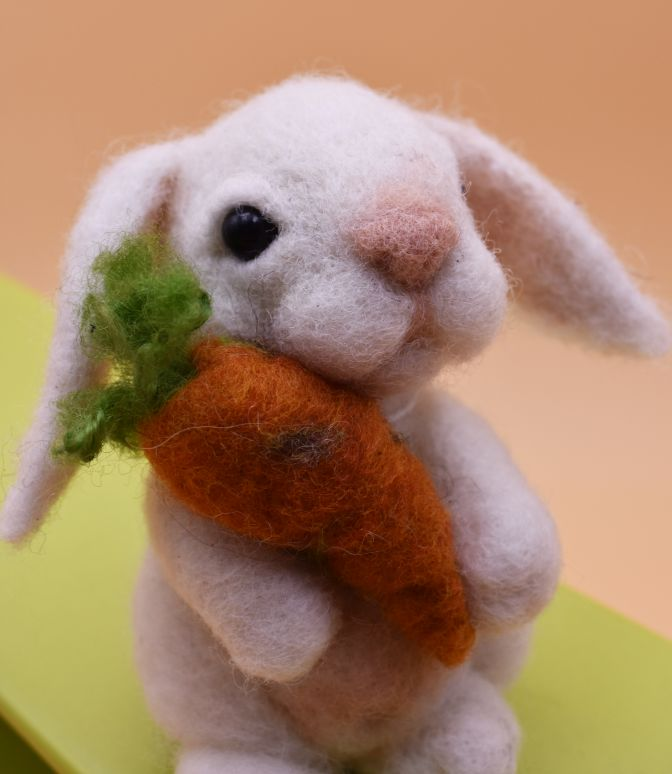 Rabbit with carrot- needle felted animal, felted gift, bunny
