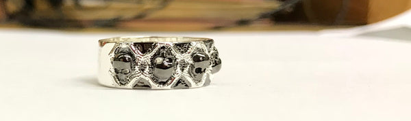 RETRO BLACK SKULL RING SILVER OR PLATINUM PLATED