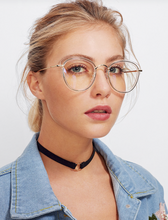 CLEAR FRAME CAT EYE | glasses