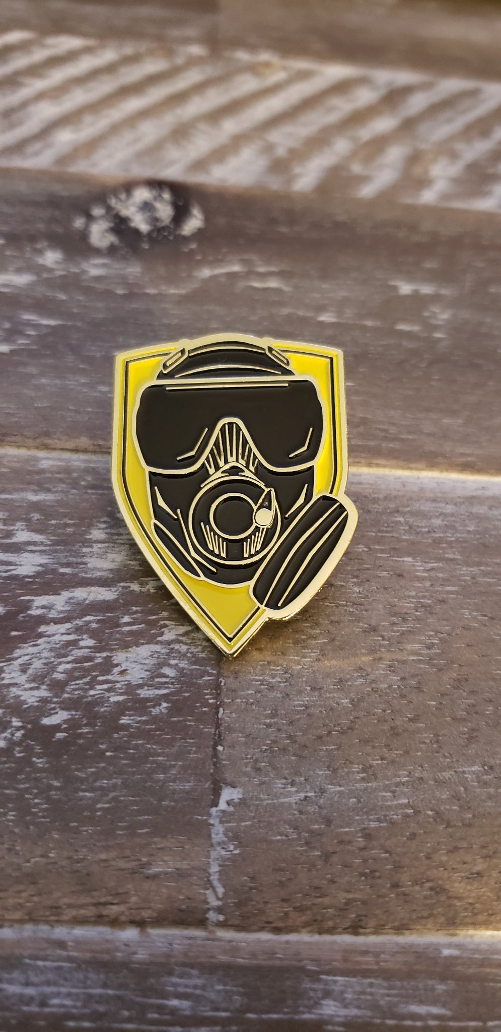 Lapel or Hat Pin OEW Mask / Shield
