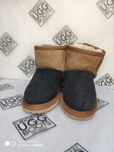 BLACK / CHESTNUT ULTRA SHORT UGG BOOTS (8-9)