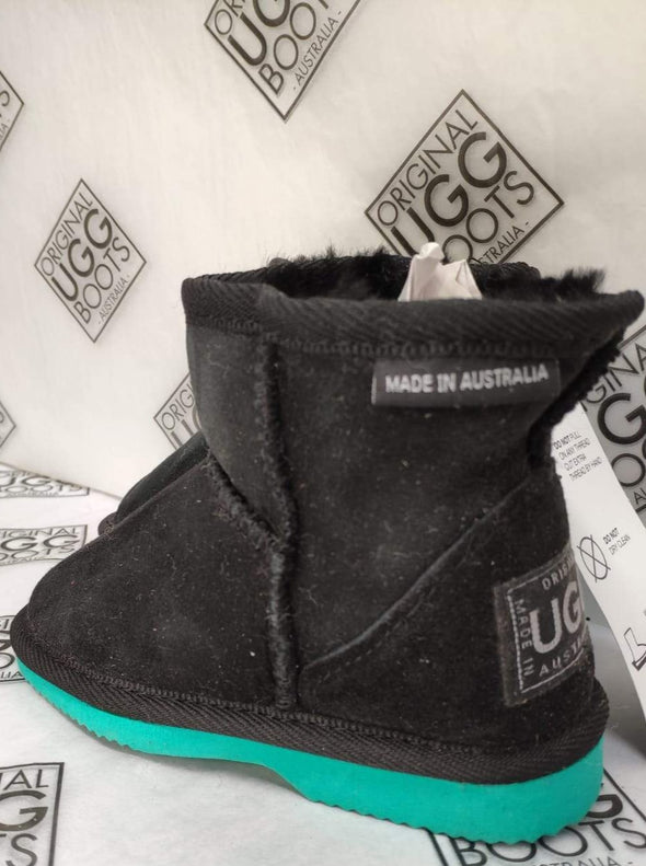KIDS BLACK SHORT UGG BOOTS AQUA SOLE (8-9)