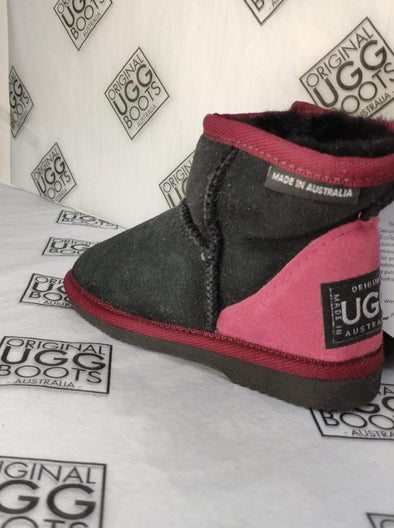 KIDS BLACK/RUBY ULTRA SHORT UGG BOOTS (SIZE 8-9)