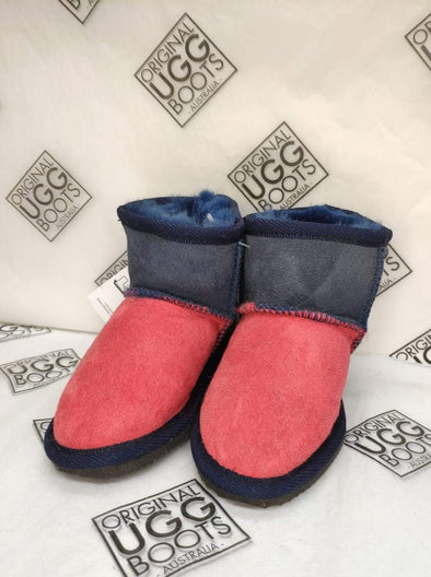 KIDS TOMATO/NAVY ULTRA SHORT UGG BOOTS (SIZE 8-9)