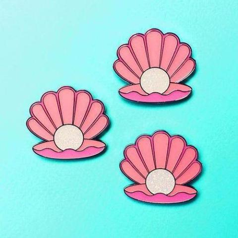Pink Pearly Oyster Pin