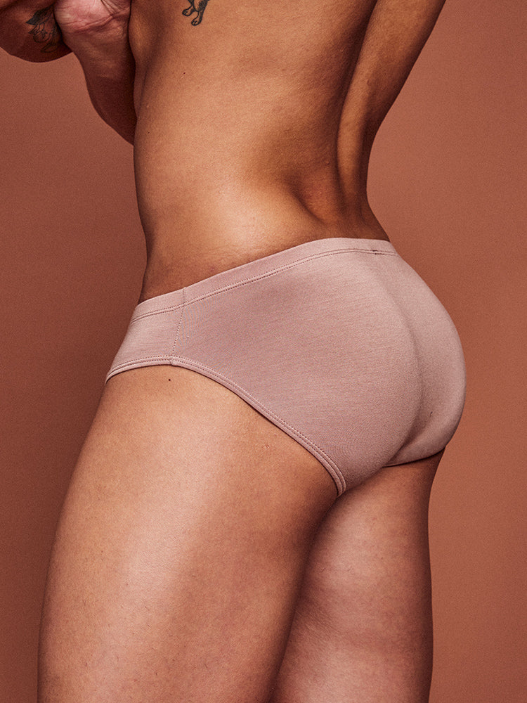 NUDE - BRIEF