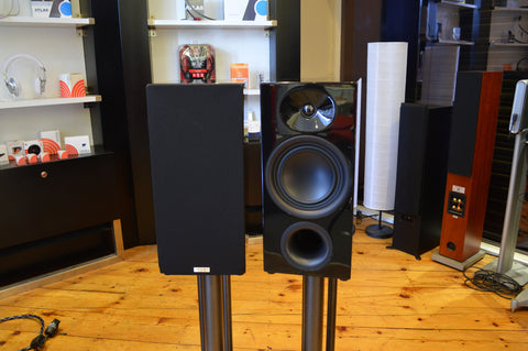 Advance Acoustic KC400 Speakers & Stands (Ex Demo)