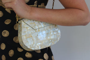The Metal Coin Purse in Mother of Pearl