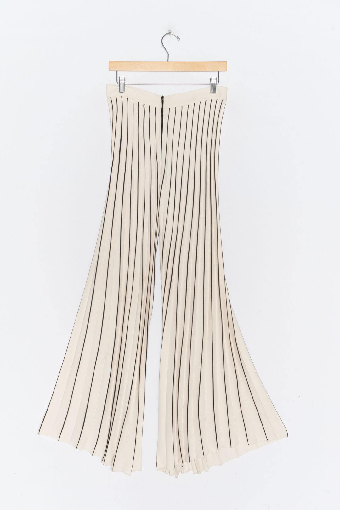 Beige Black Pleated Culottes L - VinoKilo.com