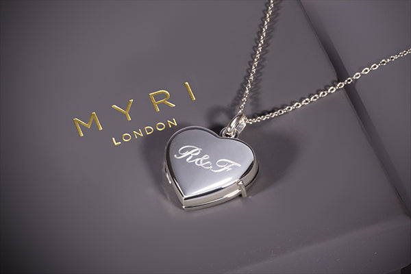 https://beyond-bespoke.com/collections/personalised-gifts-and-presents
