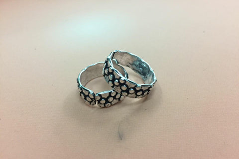Oxidised toe ring