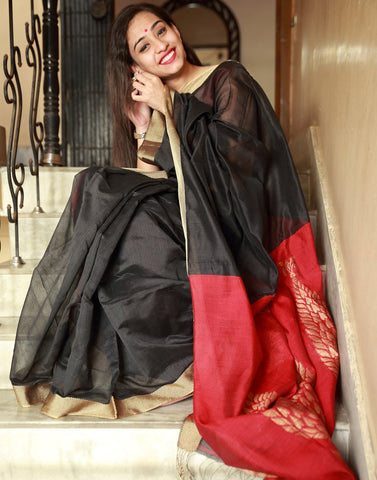 Black And Red Bengal Handloom Silk Saree