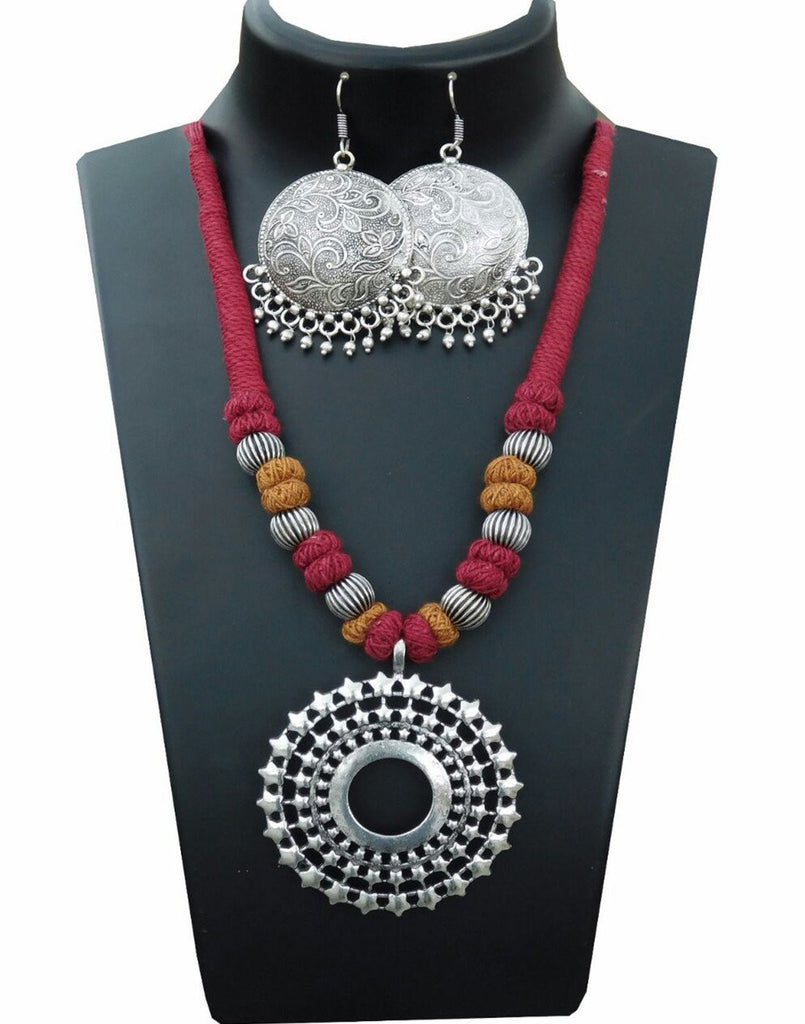 Thread With Pendent Set