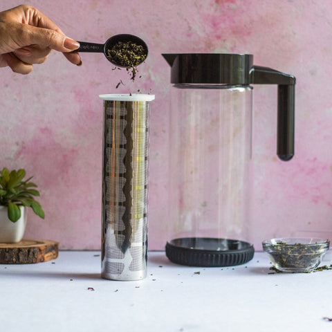 InstaCuppa Borosilicate Glass Infuser Pitcher 1300 ML - How To Brew Green Tea - Step 1