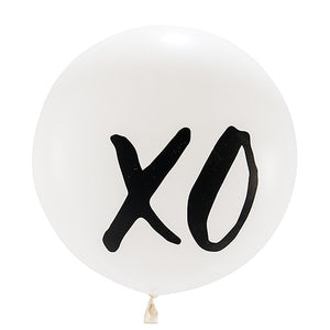 "Jumbo White Round Wedding Balloon - ""XO"""
