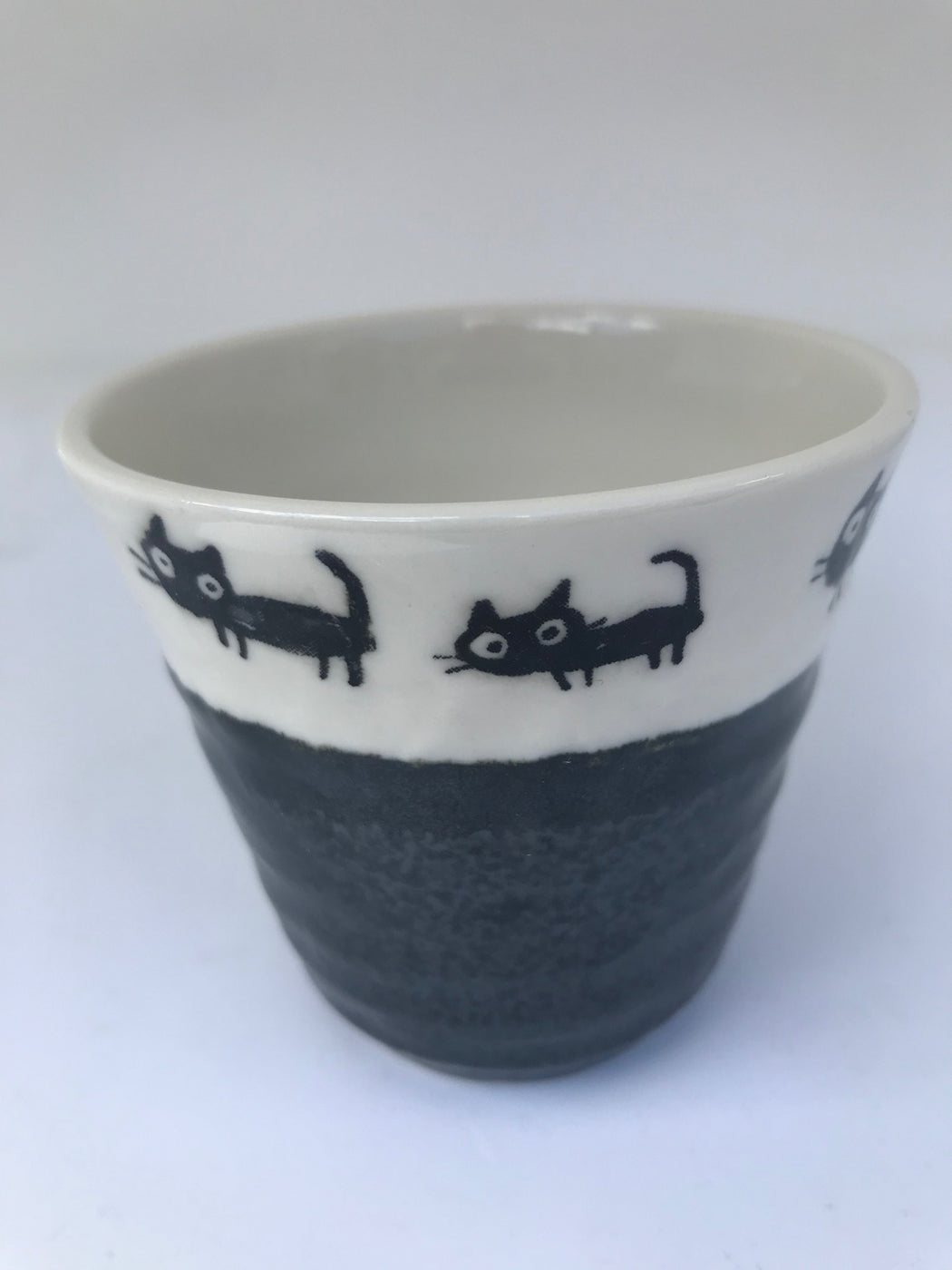 Teacup cat border black base