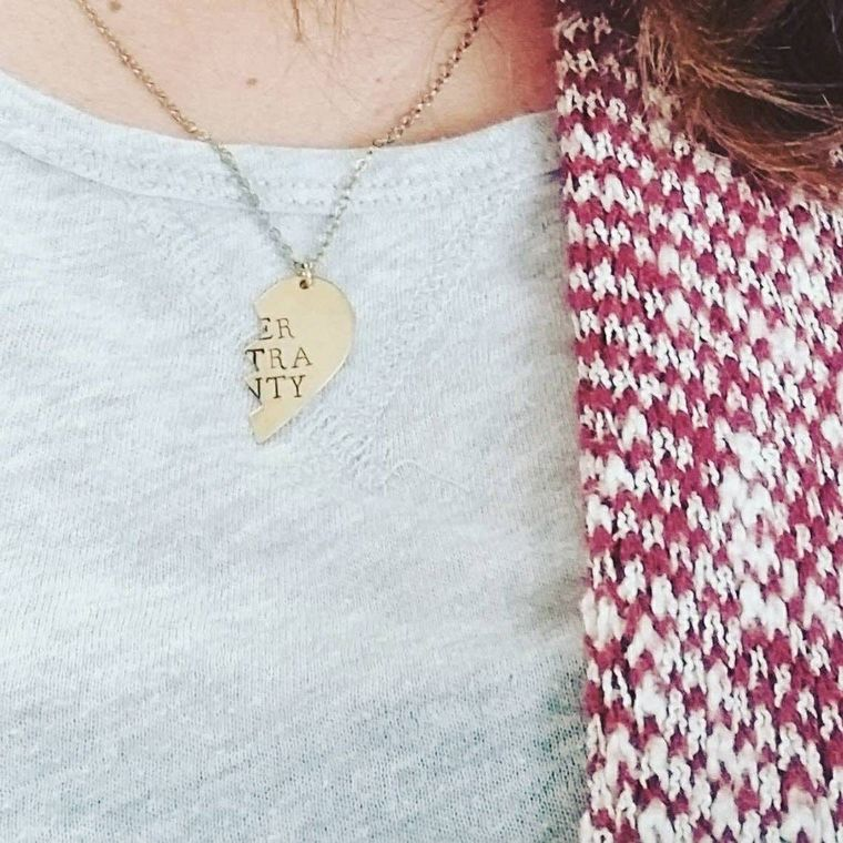 I Hate Everyone Too, Broken Hearts Friendship Necklace