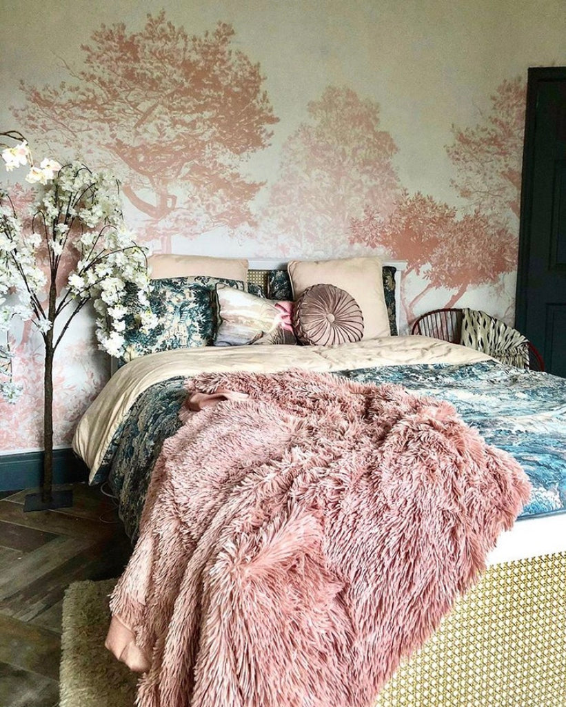 How to Style Our Hua Trees Wallpaper in Pink