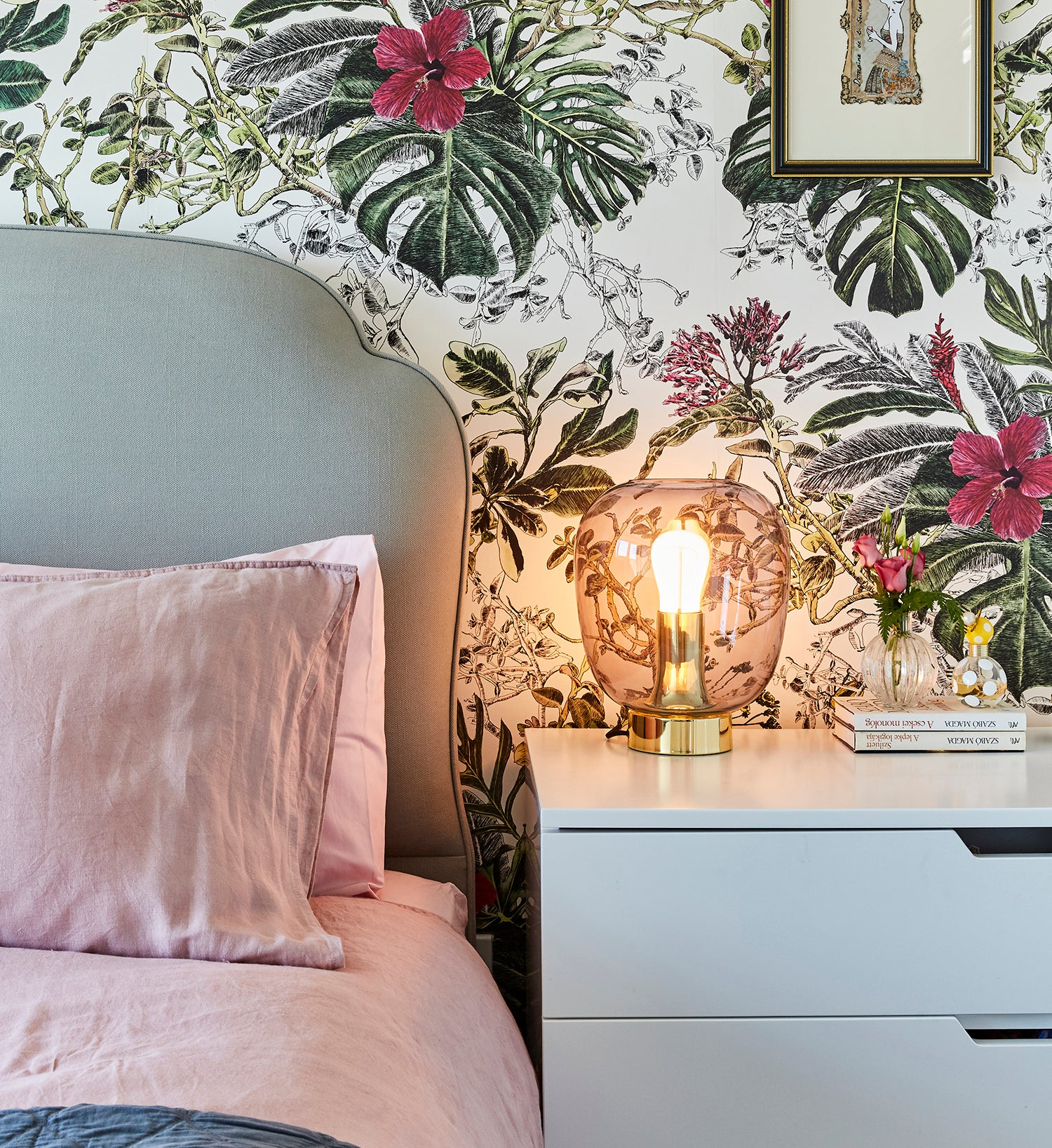 The Best Furniture to Style with your Wallpaper