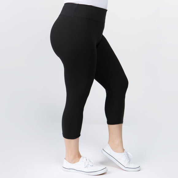 PLUS Capri Leggings- Black