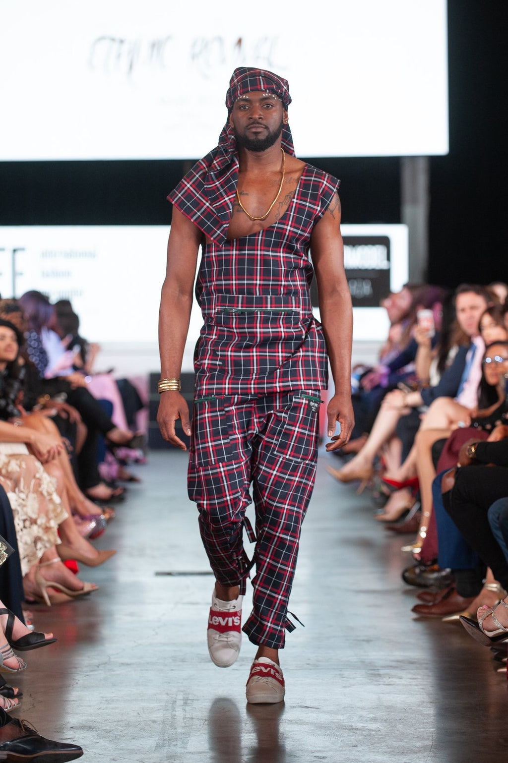 Urban Red tartan Massai