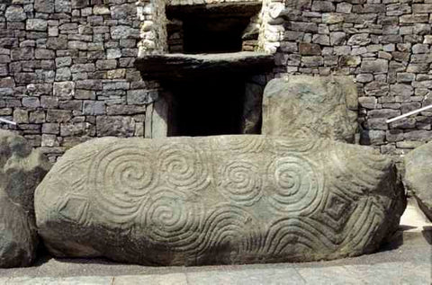 ic: Newgrange entrance stone