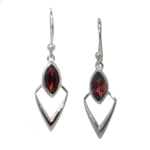 Arrowhead Earrings, Garnet-teklaestelle