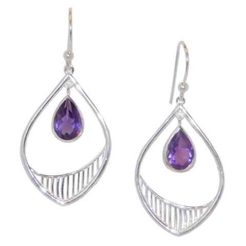 Tide Earrings, Amethyst-teklaestelle