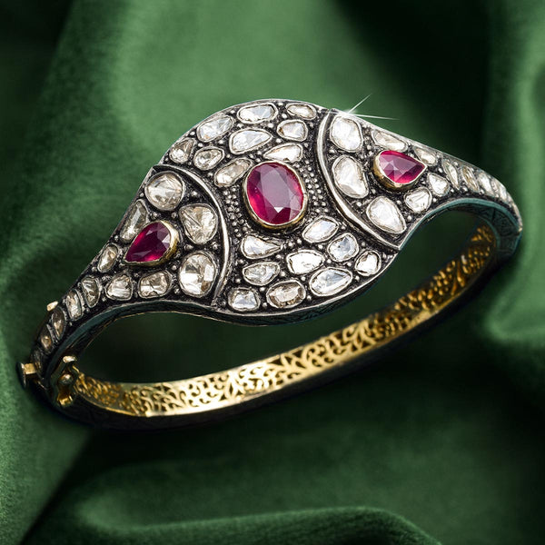 Antique & Vintage Jewelry 101: The Journey of Accessories Through the Ages