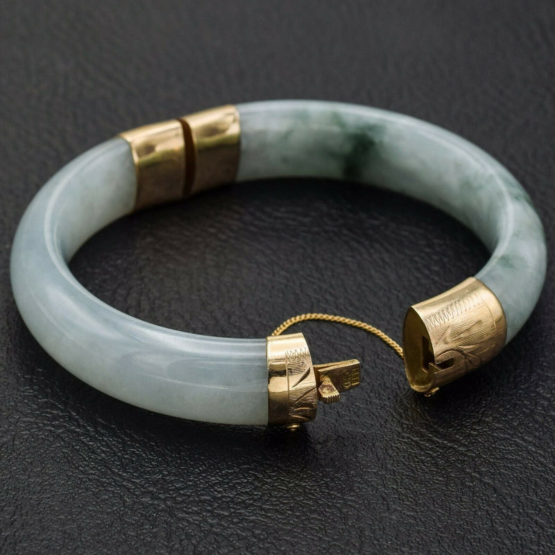Vintage 14K Yellow Gold Moss in Snow Jade Hinged Bangle Bracelet