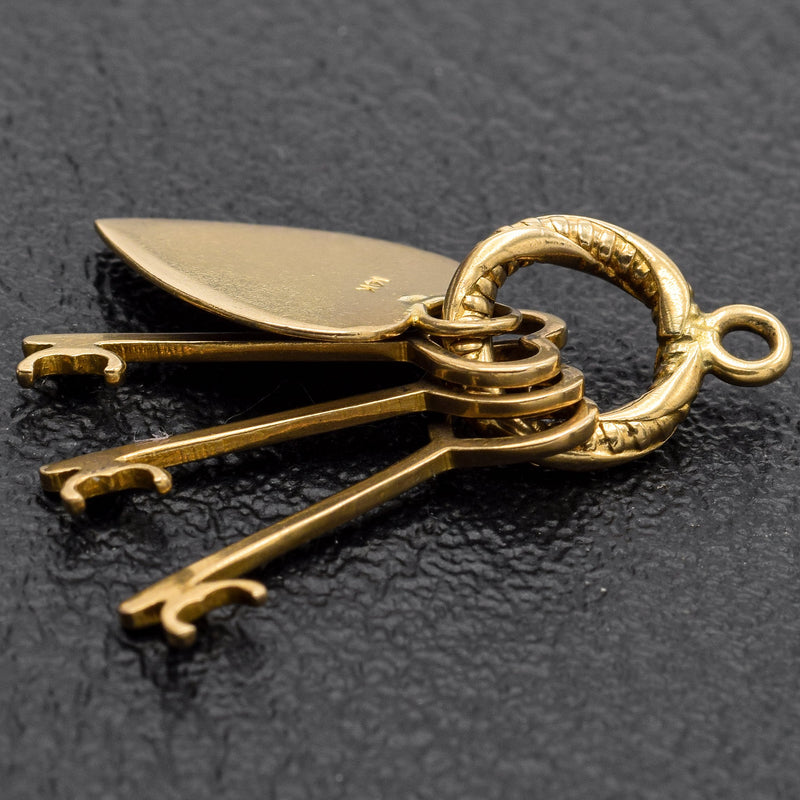 Vintage 14K Yellow Gold Heart and Keys Charm Pendant