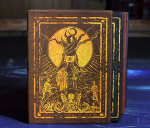 The Plight of the Traveler Elder Dice slipcase side view