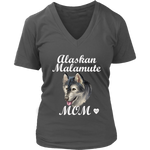 Alaskan Malamute Mom V-Neck Charcoal