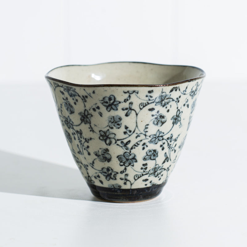 Japanese Tea Cup - Antique Kusa (Cone)