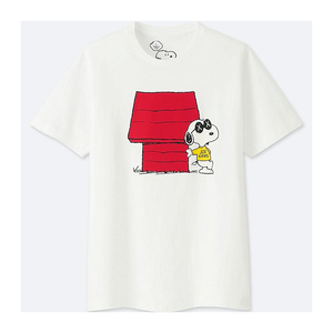 "KAWS - PEANUTS MEN'S TEE ""SNOOPY'S DOGHOUSE"""